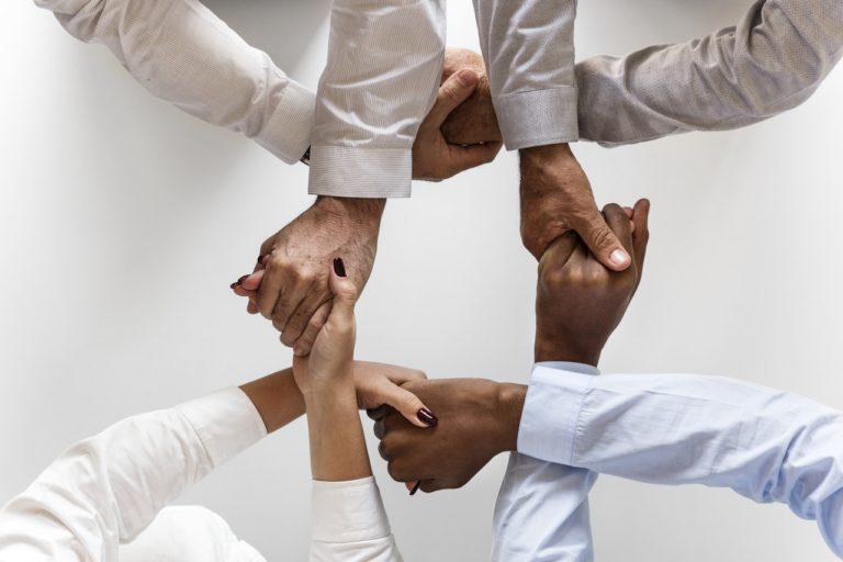The Social Coin: Las buenas acciones mueven el mundo