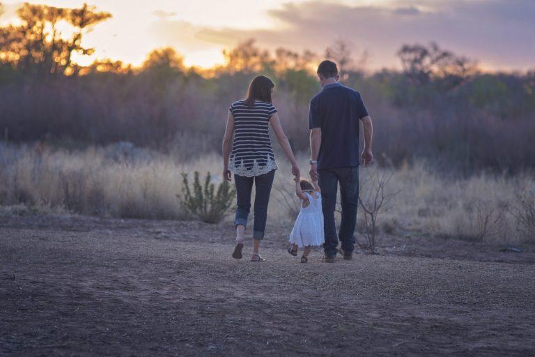Vivir en un pueblo como factor de protección social