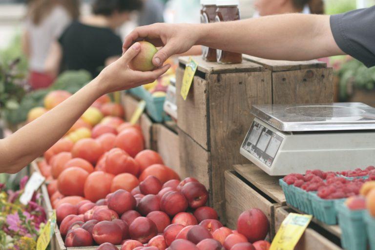 ¿Qué consecuencias tiene consumir alimentos de proximidad?