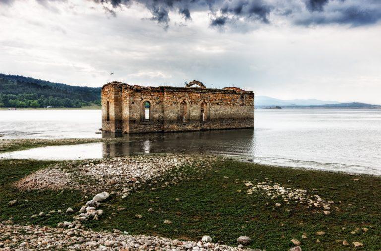 ¿Cómo convertir los pueblos abandonados en recurso turístico generador de empleo?