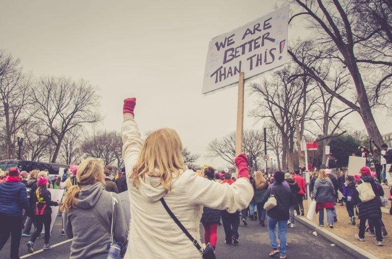 ¿Se puede ser activista, y cambiar las cosas, sin ser político?